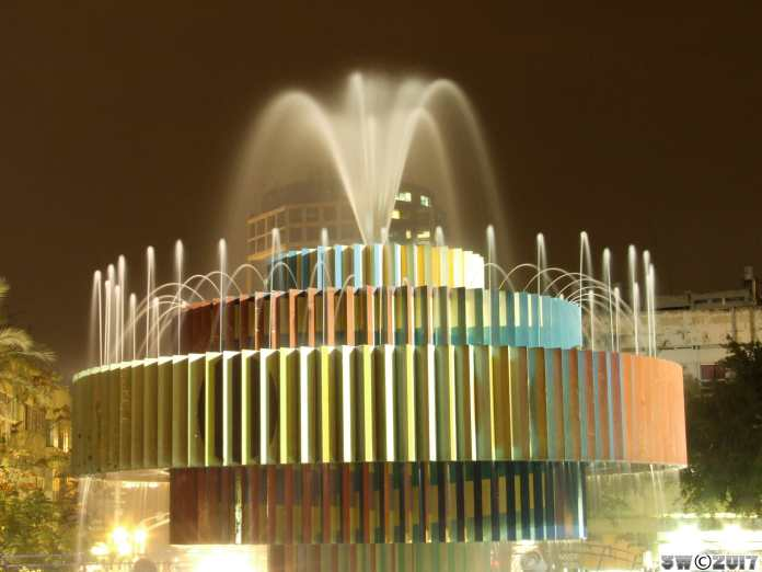 Dizengoff fountain by night