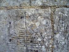 Pilgergraffiti, Croix relevée oder Croix d'archange. Lizenz: CC by-SA/ Creative Commons Attribution-Share Alike 3.0 Unported
