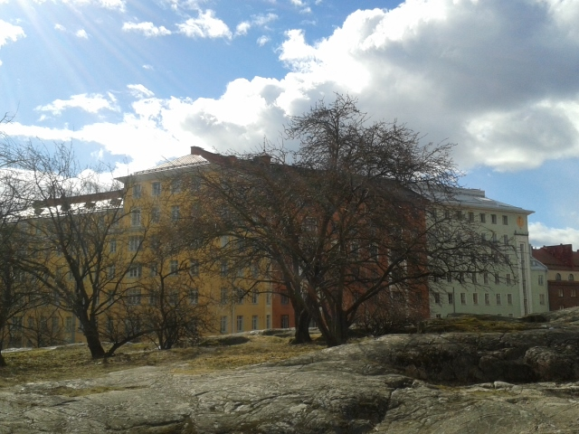 helsinki_rock_church_surroundings (640x480)