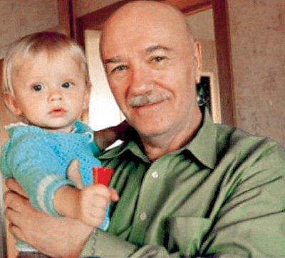 Леонид Куравлев с внуком