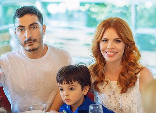 Анастасия Стоцкая с мужем Сергеем и сыном. Фото