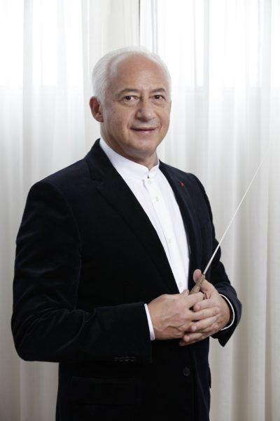 Дирижер Спиваков. Фото