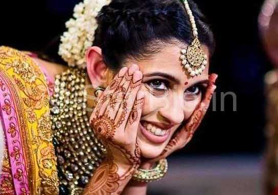 Mehndi Ceremony Wiki : Shloka mehta wiki age boyfriend caste biography & more u2013 starbio