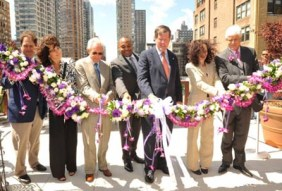 Cutting the Garland Ribbon to Officially Open the Hotel.
