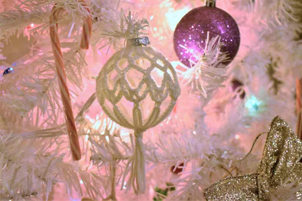 Starlight-Crochet-Christmas-Ornament (6)