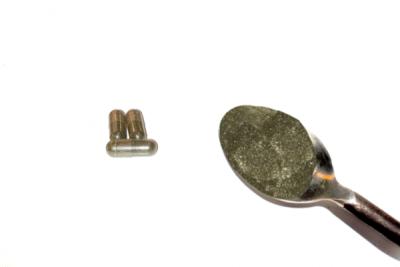 50x-kratom-caps-spoon-1