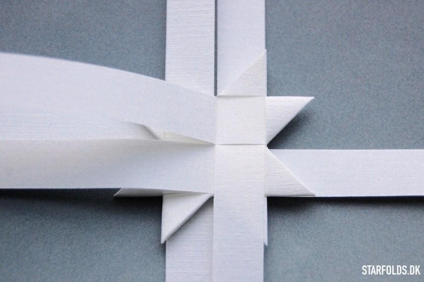 Trin 1 - flade julestjerner ud af flettestrimler model 2