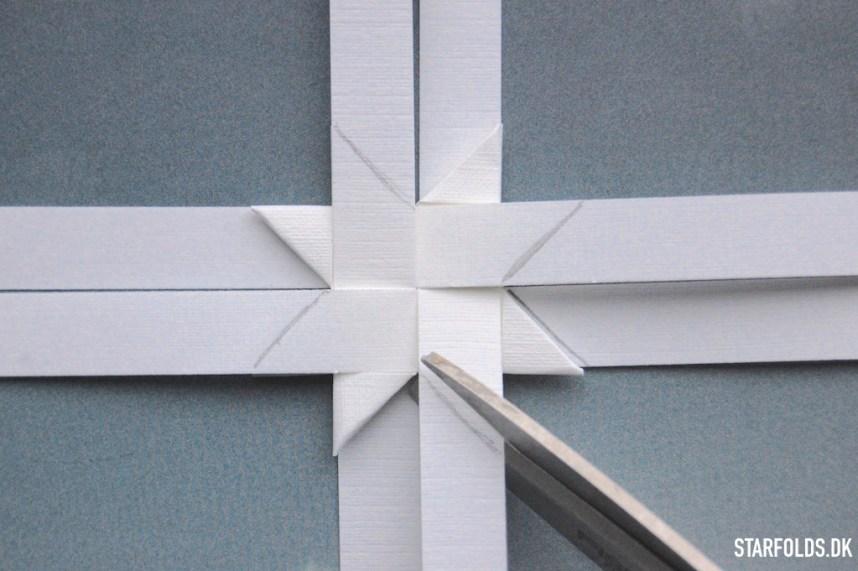 flade julestjerner ud af stjernestrimler trin 2