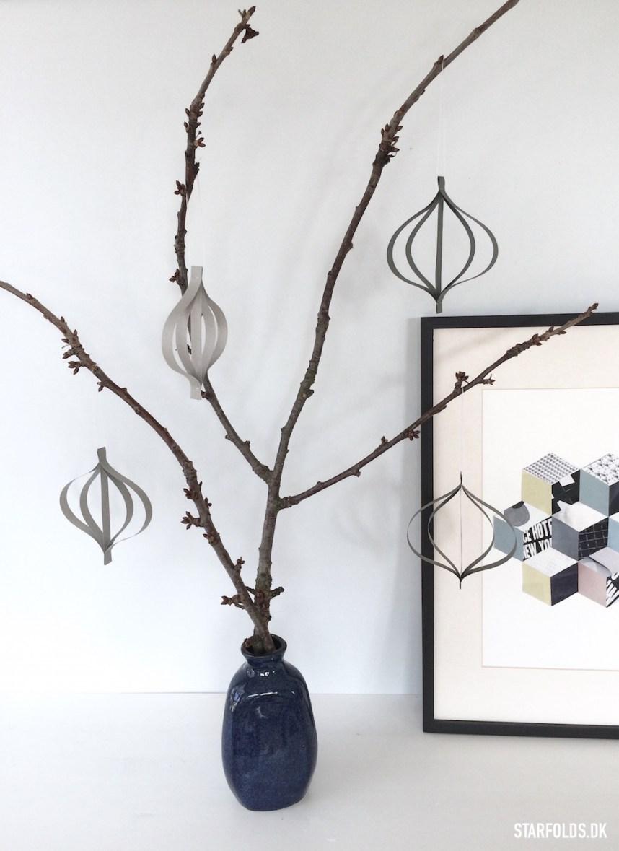 DIY enkle grå papirophæng på frugtgrene