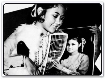 MEMORABILIA - 1970 Bikini Young Stars Cover Pic