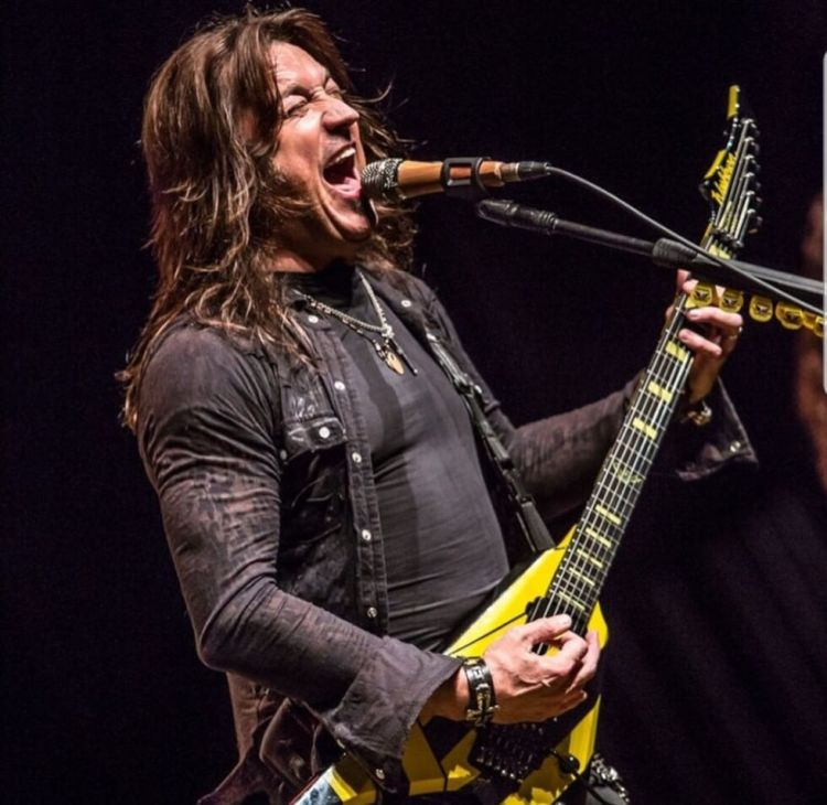 """I always considered myself a guitarist first and as a singer second"""" -  Interview with Michael Sweet from Stryper"""