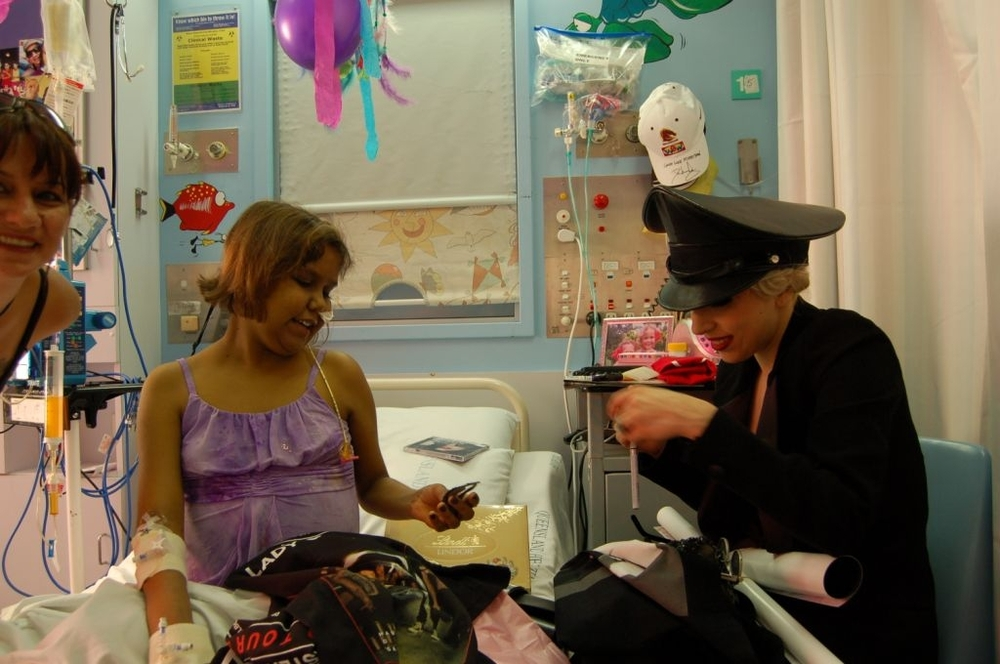 Lady Gaga Drops Into The Royal Childrens Hospital Blog Of Starlight Childrens Foundation