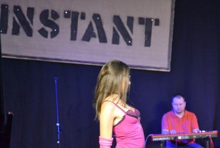 Die Theaterspielerin bei der Show