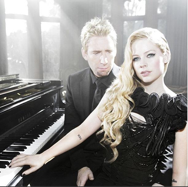 Avril Lavigne Wedding Gown: 10 Celebrity Weddings Of 2013!