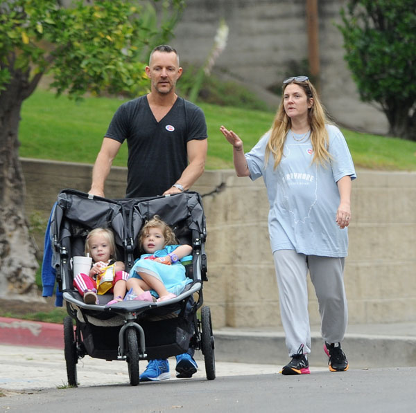 Dad Drama? Find Out Why Drew Barrymore May Be Trying To ...  Dad Drama? Find...