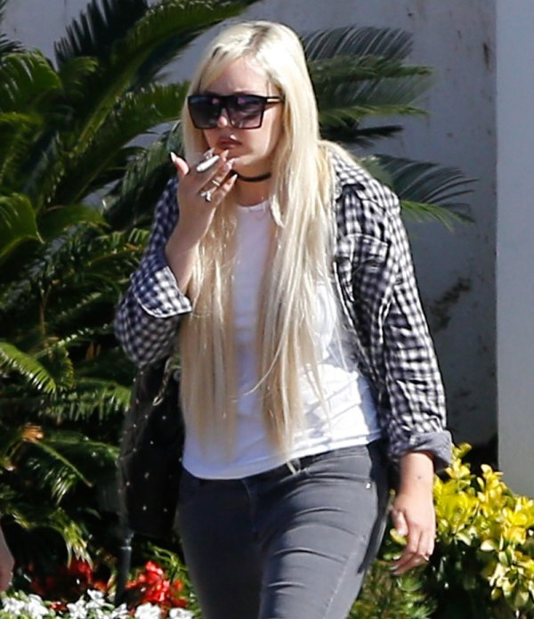 amanda-bynes-weight-gain-smoking-photos-08