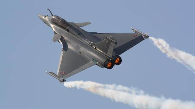 चीन की हेकड़ी होगी गुम, कल औपचारिक रूप से वायुसेना में शामिल होंगे राफेल विमान