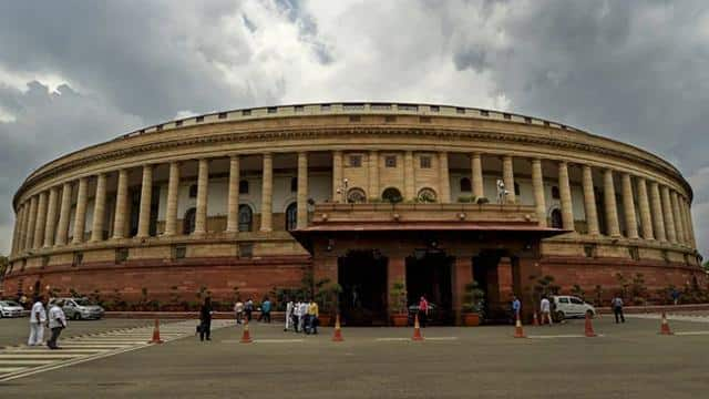 LIVE: भारत के कितने मछुआरे और नावें पाकिस्तान के कब्जे में? संसद में बीजेपी सांसद ने बताया
