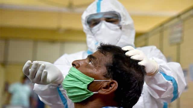 देश में कोरोना केस 53 लाख पार, बीते 24 घंटे में 1247 मौतें और 93337 नए मामले