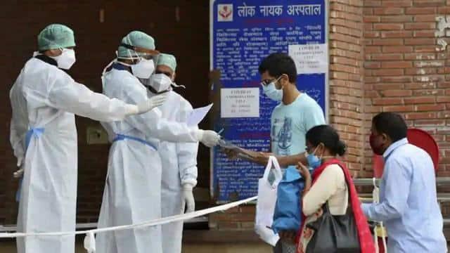 क्या योग COVID-19 मरीजों की मदद कर सकता है? दिल्ली के तीन अस्पतालों में होगी रिसर्च