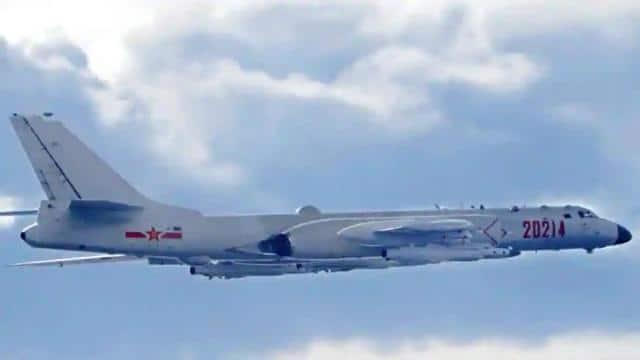 ताइवान-अमेरिका से भिड़ने को तैयार चीन, दूसरे दिन भेजे बॉम्बर सहित 19 लड़ाकू विमान
