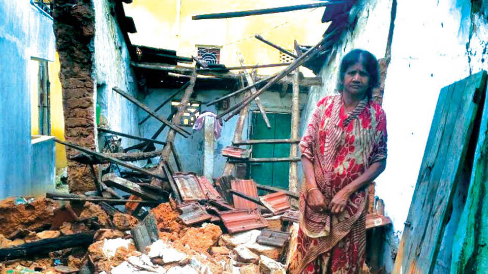 Rains bring down elderly lady's house at Gandhinagar in city