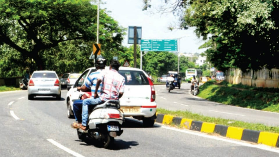 Accidents on Hunsur Road not due to curve but drivers' negligence