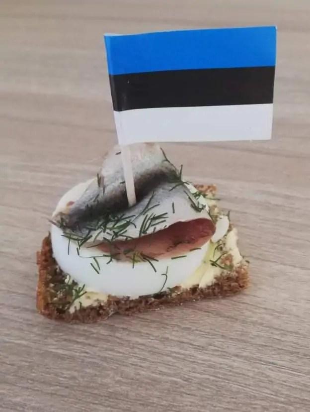 Eesti lipuga võileivatikud 24tk