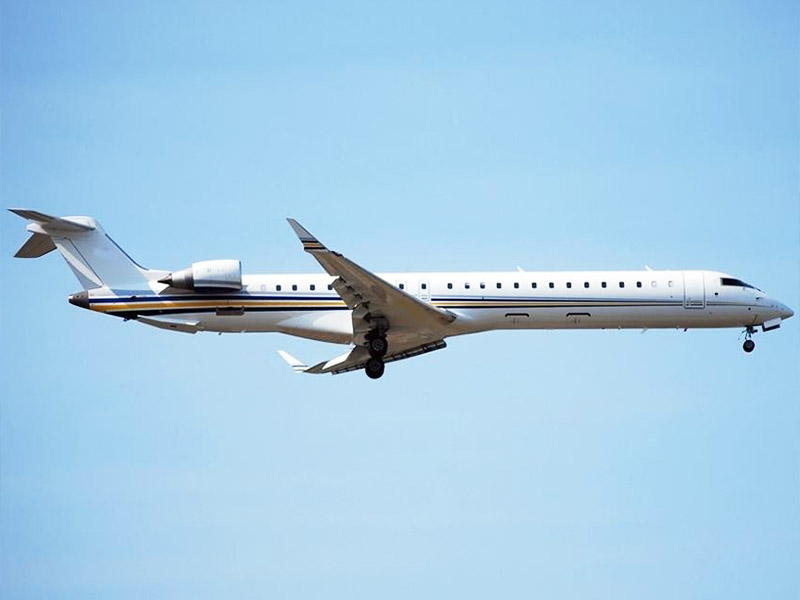Bombardier Challenger 890 Private Jet Hire