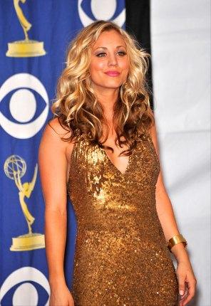 Kaley Cuoco im September 2009 auf den Primetime Emmy Awards