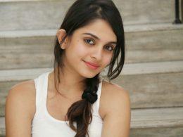 Sheena Shahabadi Height, Weight, Age, Affairs, Wiki & Facts