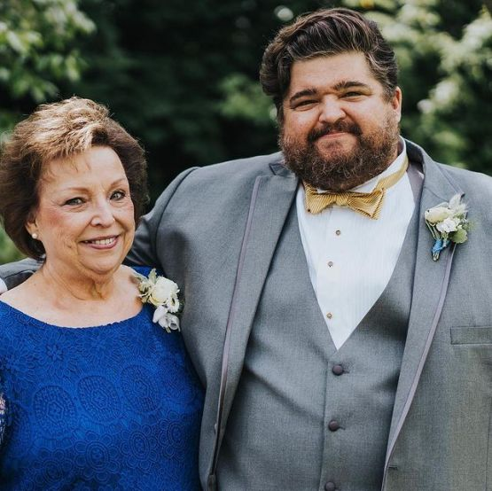 Jorge-Garcia-with-his-mother