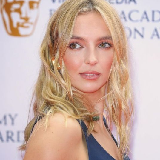 Jodie-Comer-height
