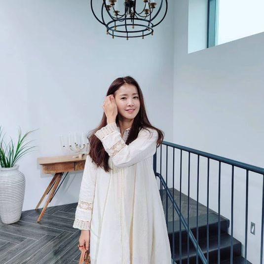 Lee-Si-yeon-net-worth