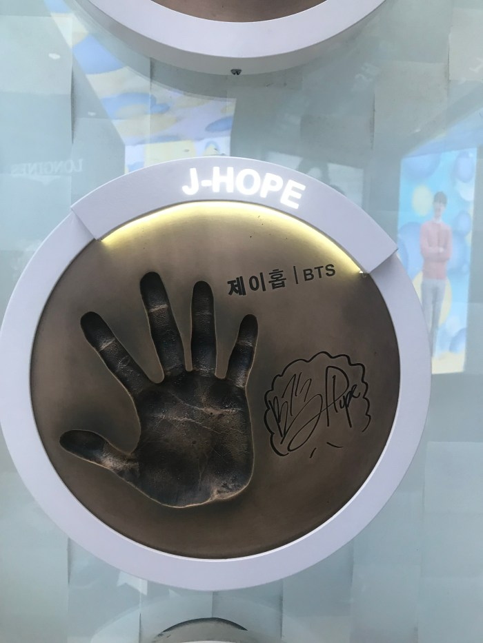 Lotte Duty Free Star Avenue – BTS Handprints (How to go and