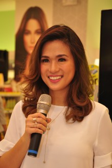 Host and Blogger Valerie Tan