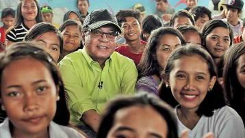 Si-Kabayan-Kabayan-Noli-De-Castro-at-ang-mga-kapamilyang-masayang-nakilahok-sa-TV-Patrol-Kapamilya-Caravan