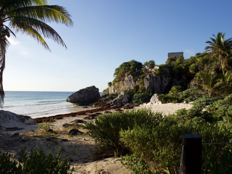 tulum archaeological zone ruins