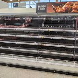 Britse voedingssector kraakt noodplan regering om 'pingdemic' te bezweren