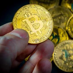 Koers bitcoin vertoont weer stijgende lijn: hoogste stand sinds half mei