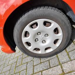 Meer Nederlandse auto's in hartje zomer de weg op met winterbanden