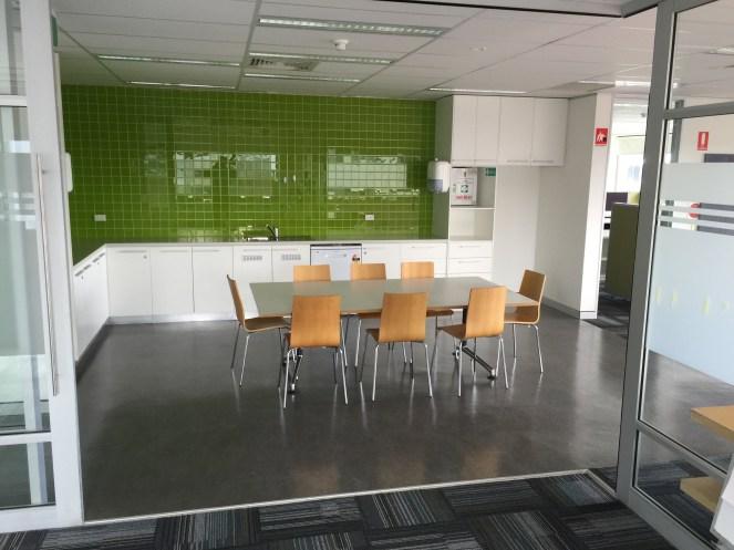 100c-kitchen-green-img_4666