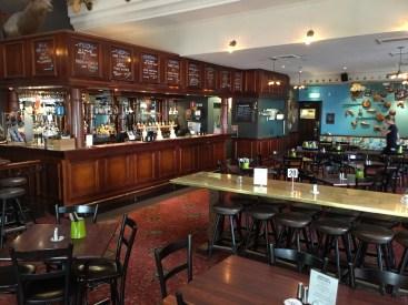 100c-pub-upstairs-bar-img_4709