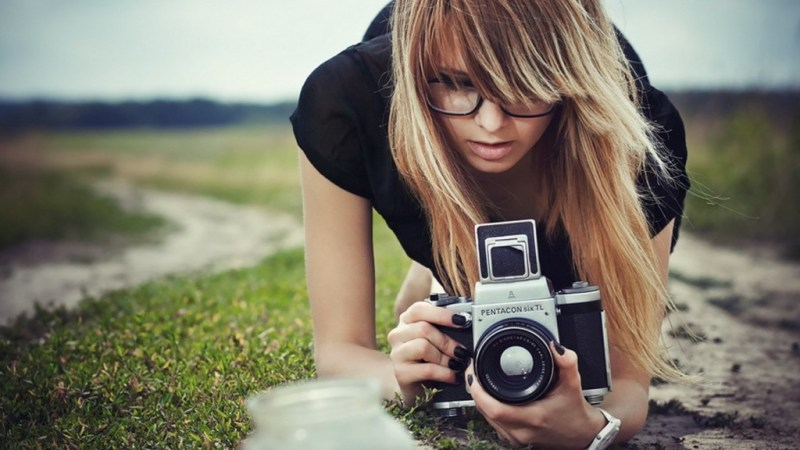 Let Robots For Your Photos Take Care Of Sharing Photos Online!