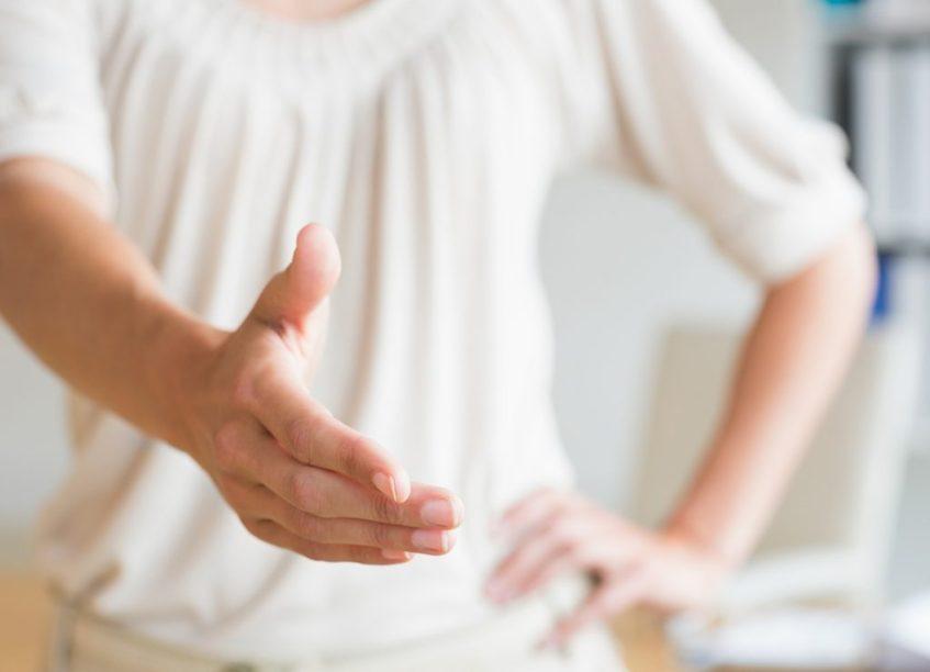 handshake-080414