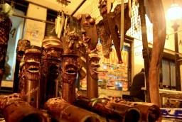 San-Telmo-fair-Wooden-guys