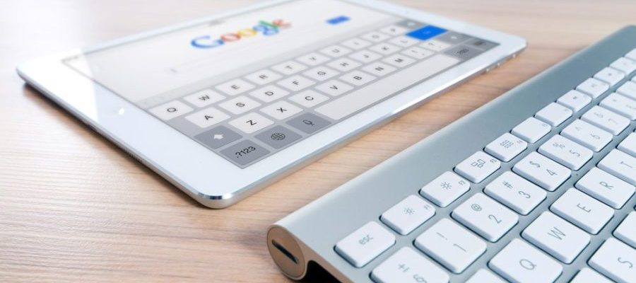 Google auf dem Tablet (Bild: Pixabay)