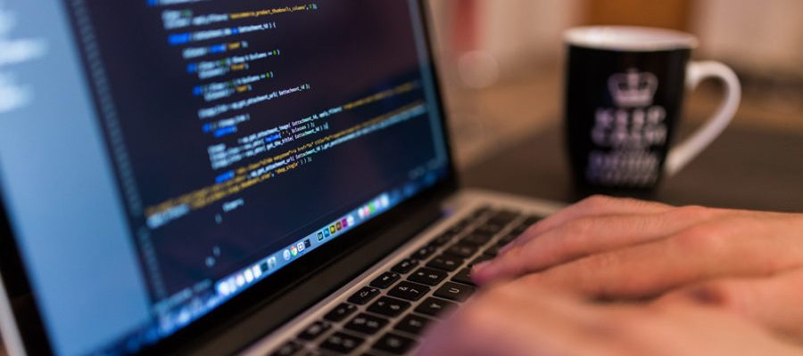 Programmierer (Bild: Pixabay)