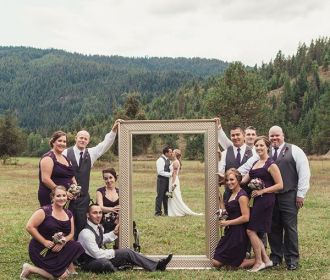 wedding-photos-of-bride-and-groom-frame-in-frame…