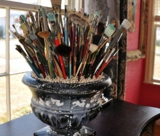 Office Organization – Paintbrushes – 21 Hacks To Help You Organize Your Art Stud…